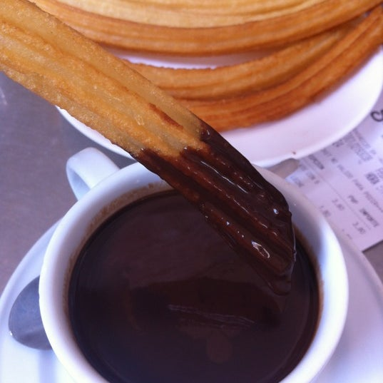 Photo prise au Chocolatería San Ginés par Hennessy C. le9/9/2012