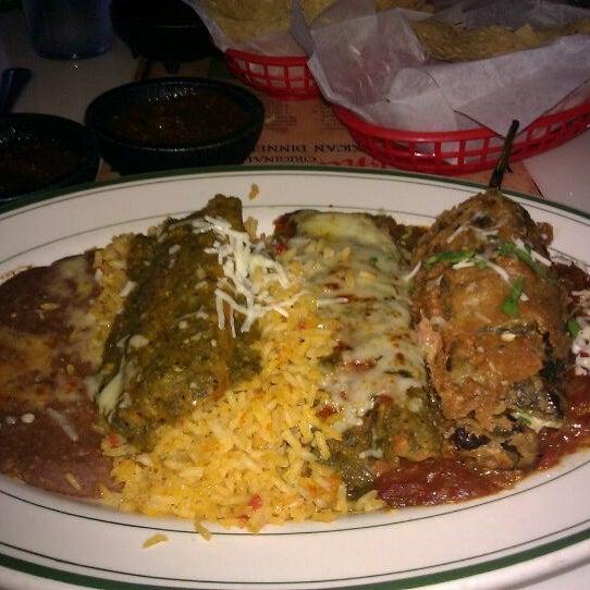 รูปภาพถ่ายที่ El Real Tex-Mex Cafe โดย Ven P. เมื่อ 9/24/2011