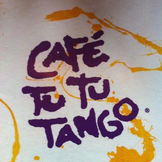 Foto diambil di Café Tu Tu Tango oleh Chrisopher T. pada 7/17/2011