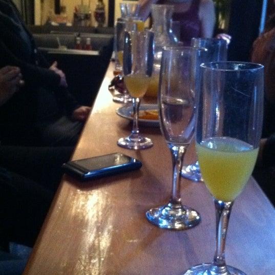 Das Foto wurde bei Opal Bar & Restaurant von Joey F. am 3/4/2012 aufgenommen