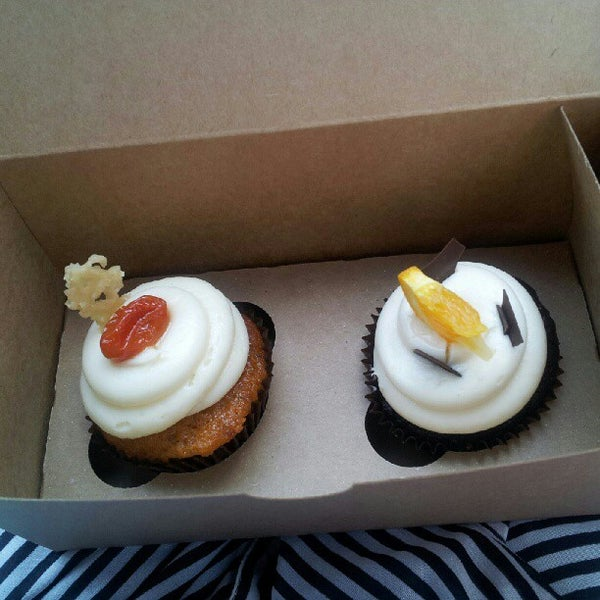 Снимок сделан в Urban Cookies Bakeshop пользователем Toryanni P. 8/4/2012