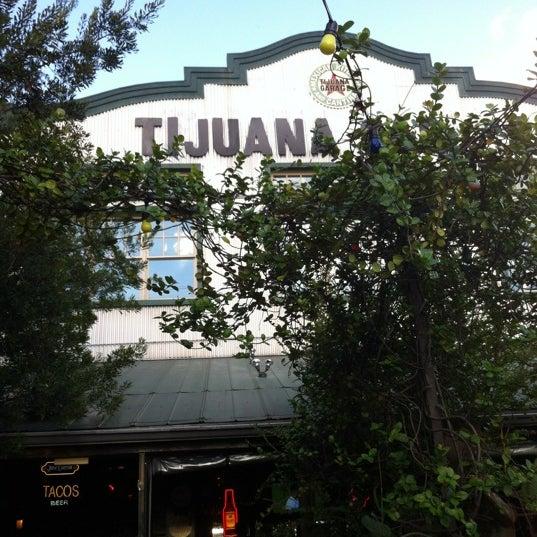 9/5/2012にGreg V.がTijuana Garageで撮った写真