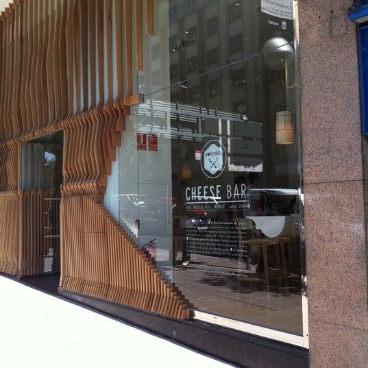 Foto scattata a Poncelet Cheese Bar da David M. il 7/12/2011