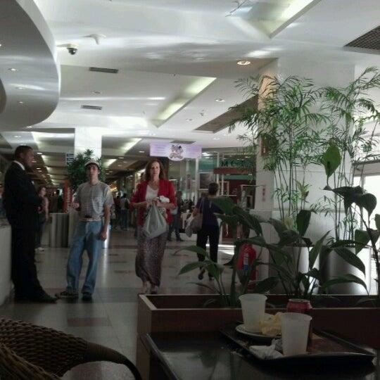7/20/2012 tarihinde Joselia L.ziyaretçi tarafından Shopping Tijuca'de çekilen fotoğraf