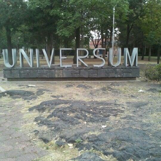 รูปภาพถ่ายที่ Universum, Museo de las Ciencias โดย Gerardo G. เมื่อ 5/2/2012