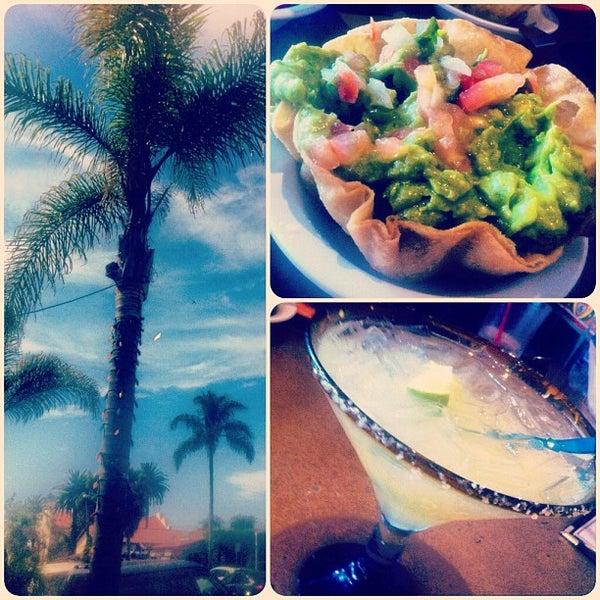 รูปภาพถ่ายที่ Cafe Coyote โดย MsAmeliaaa เมื่อ 8/12/2012