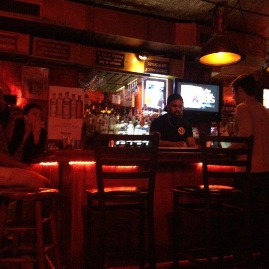 Foto tirada no(a) Bar Nine por Jason D. em 7/21/2012