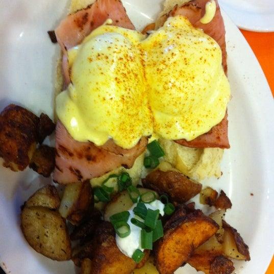 Foto scattata a Jelly Cafe da James R. il 2/27/2012