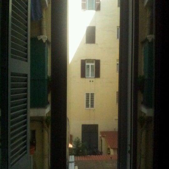 5/29/2012 tarihinde Eva L.ziyaretçi tarafından Hotel Des Artistes'de çekilen fotoğraf