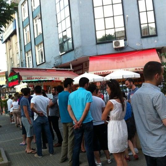 Foto tirada no(a) Dondurmacı Yaşar Usta por Seda O. em 6/10/2012
