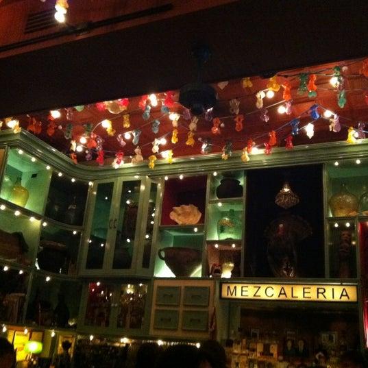 Foto tomada en Casa Mezcal por Emilee P. el 6/8/2012