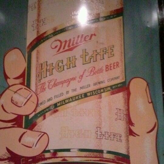 3/15/2012にDan R.がHigh Life Loungeで撮った写真