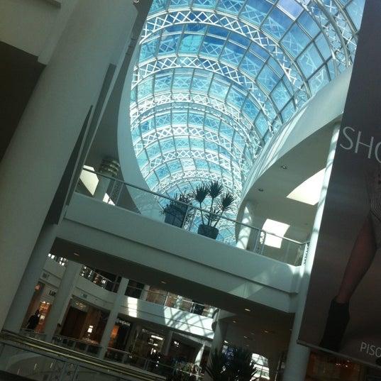 Foto diambil di Shopping Crystal oleh ⚡️Nelson P. pada 5/25/2012