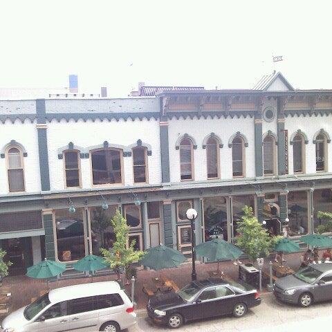 Foto tomada en Arbor Brewing Company por Chris A. el 7/3/2012