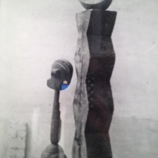 Foto tomada en Bruce Silverstein Gallery por danica k. el 6/5/2012