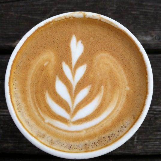 Foto scattata a Espressofabriek da Neda v. il 5/7/2012