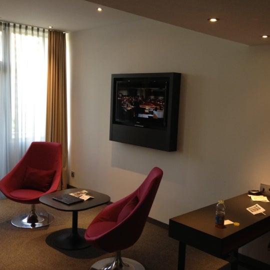 8/2/2012 tarihinde Александр Ф.ziyaretçi tarafından Hotel Berlin'de çekilen fotoğraf
