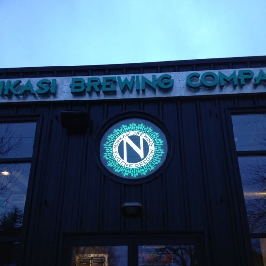 3/15/2012にMike K.がNinkasi Brewing Tasting Roomで撮った写真