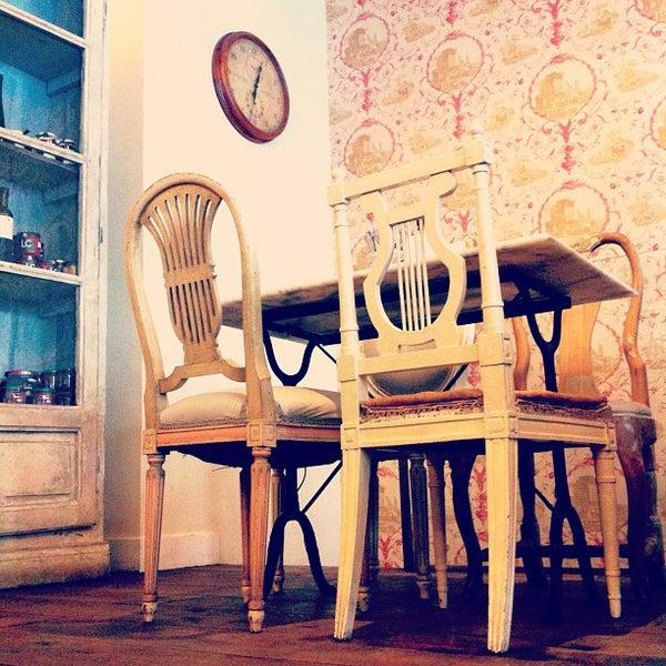 7/18/2012에 Omar T.님이 Mamá Framboise에서 찍은 사진