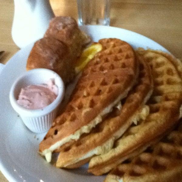 4/11/2011 tarihinde Todd S.ziyaretçi tarafından Good Enough to Eat'de çekilen fotoğraf