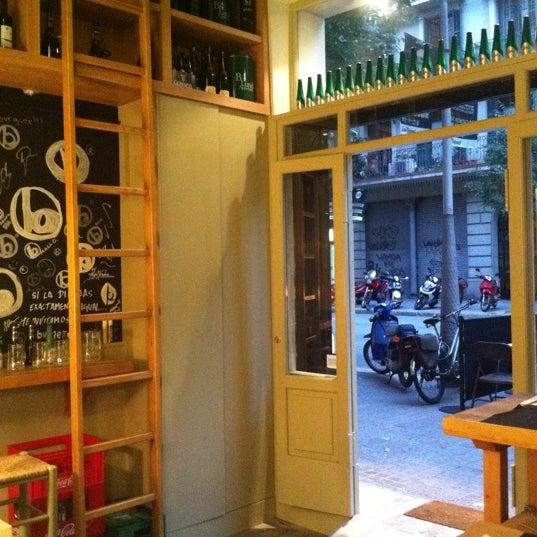 Foto tirada no(a) bBurger Barcelona por Gregory R. em 7/26/2011