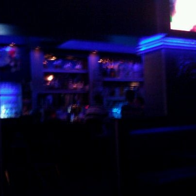 Снимок сделан в Bleu Martini пользователем Zacaro W. 8/25/2011