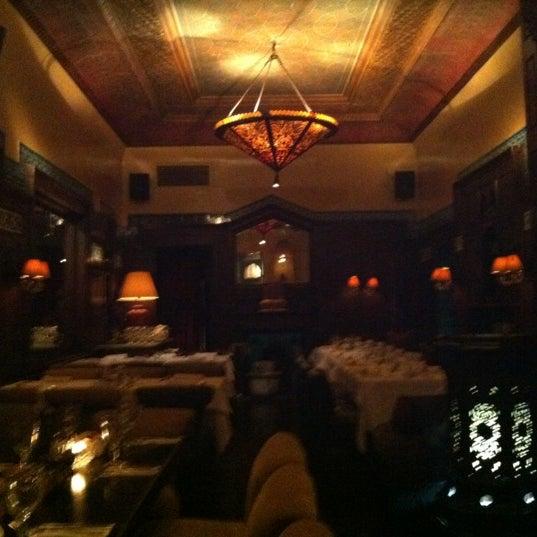 รูปภาพถ่ายที่ Zihni Bar โดย Kaan G. เมื่อ 12/2/2011