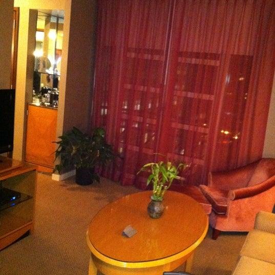 Photo prise au Hotel Giraffe par Lauren F. le1/1/2012