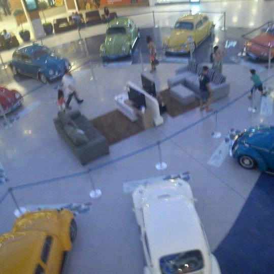 Снимок сделан в Floripa Shopping пользователем @aninhagoulart a. 3/2/2012