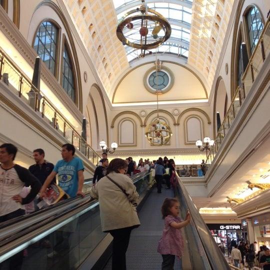 Foto tomada en Centro Comercial Gran Vía 2 por Airam el 3/31/2012