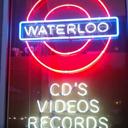 12/10/2011에 Chris님이 Waterloo Records에서 찍은 사진