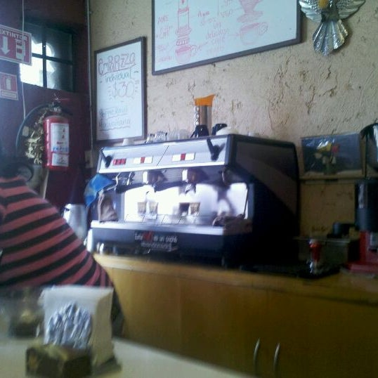 Foto scattata a Café Avellaneda da Cristhian P. il 8/14/2011