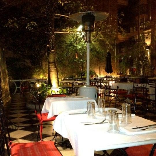 Foto scattata a Museo Evita Restaurant & Bar da Daniel M. il 8/7/2012