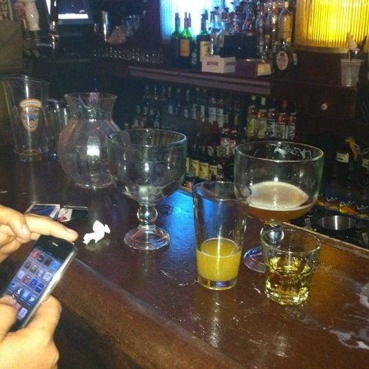 รูปภาพถ่ายที่ Lottie's Pub โดย Tim R. เมื่อ 8/18/2011
