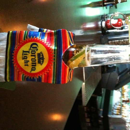 Foto tomada en Cabanas Beach Bar and Grill por Devon H. el 5/5/2011