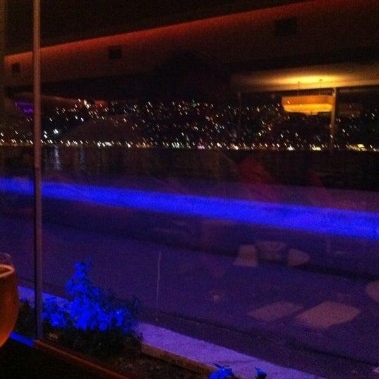 Photo prise au Biba Cafe par Serdar Y. le11/8/2011