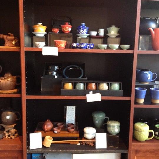 รูปภาพถ่ายที่ Tea Zone & Camellia Lounge โดย Kaitlin L. เมื่อ 3/7/2012