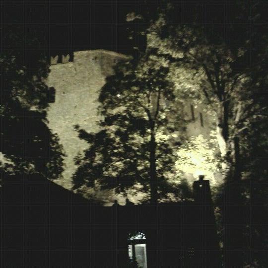 Das Foto wurde bei Castello di Zavattarello von Sara F. am 8/15/2012 aufgenommen