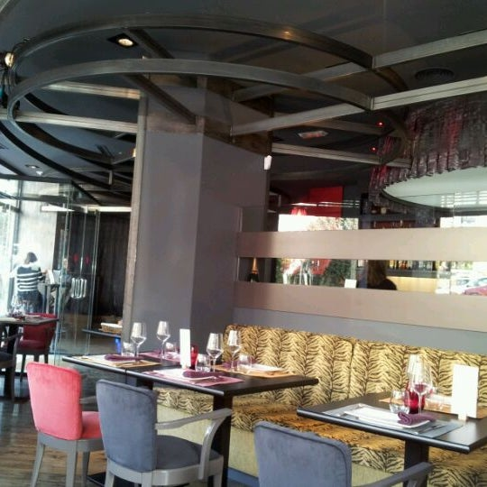 Foto diambil di Restaurante Lakasa oleh César R. pada 1/26/2012