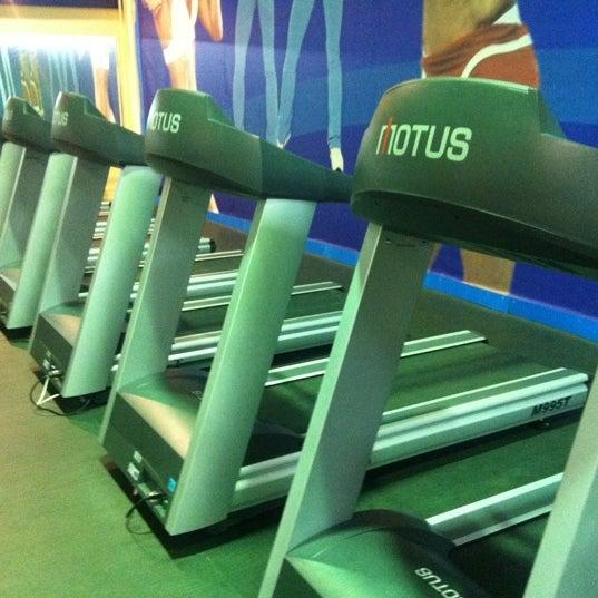Сам же зал разделен на сектора: академия биатлона на биатлонной.