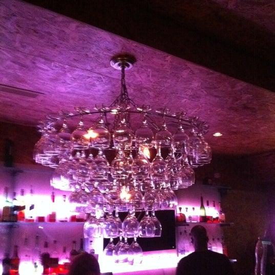 Das Foto wurde bei Vodou Bar von Djuana S. am 6/18/2011 aufgenommen