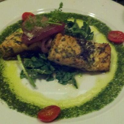 Das Foto wurde bei Beacon Restaurant & Bar von Adrienne R. am 3/5/2012 aufgenommen
