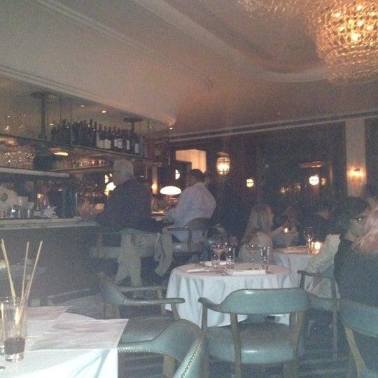 Foto tomada en Cecconi's por Nick C. el 5/15/2012