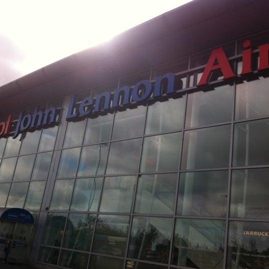 รูปภาพถ่ายที่ Liverpool John Lennon Airport (LPL) โดย Rob v. เมื่อ 8/20/2011