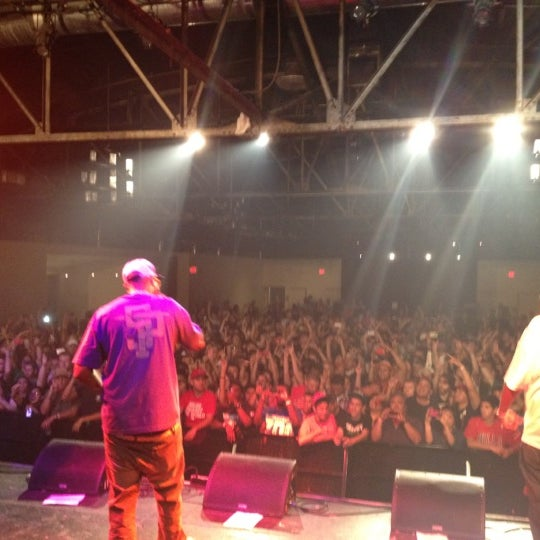 รูปภาพถ่ายที่ Warehouse Live โดย Dj H. เมื่อ 5/5/2012