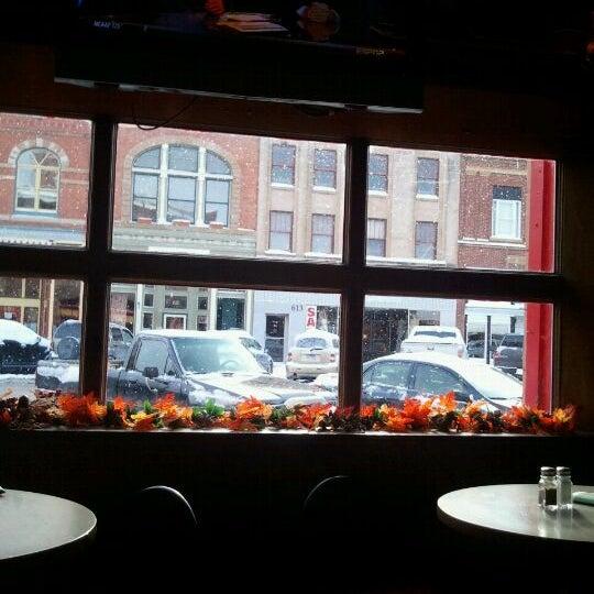 รูปภาพถ่ายที่ Firehouse Brewing Company โดย Molly M. เมื่อ 11/19/2011