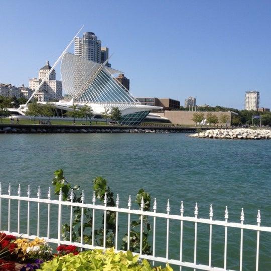 Foto tomada en Harbor House por Michael J el 9/2/2012