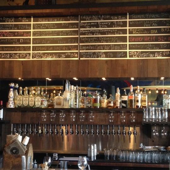 Das Foto wurde bei Raglan Public House von Brian P. am 8/9/2012 aufgenommen