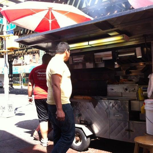 Снимок сделан в King Souvlaki of Astoria пользователем Angel B. 6/23/2012