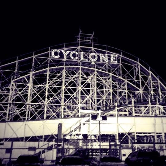Foto tomada en The Cyclone por Arminda K. el 6/22/2012